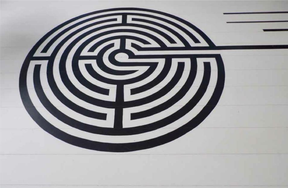 32-Maze-like Floor Pat...